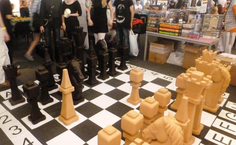 Деревянные гигантские шахматы