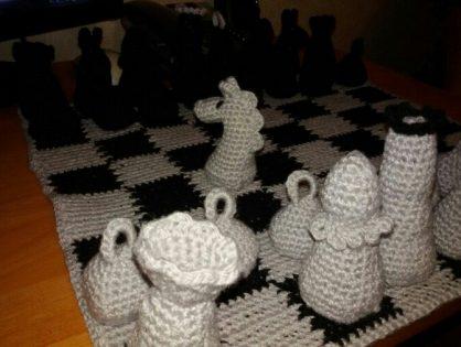Вязаные шахматы.